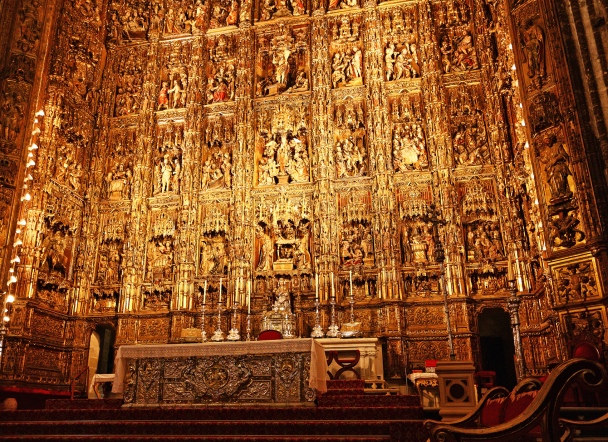 A huge retable (Capilla Mayor) which depicts 36 scenes from the Old Testament and the life of Chris. This piece of art took over 40 years in the making!