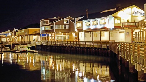 Pier 39 marina promenade - peaceful and quiet.